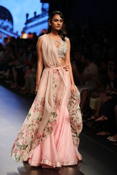 Leading Indian Designer in Bridal wear Anushree Reddy Lakme Fashion Week, India Fashion, Fashion Weeks, Women's Fashion, Indian Wedding Outfits, Indian Outfits, Indian Clothes, Bridal Outfits, Bridal Gowns