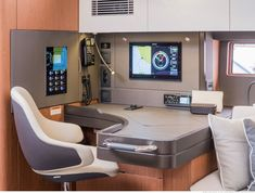 A sailboat in pictures. Oceanis Yacht 62, the new era of Beneteau