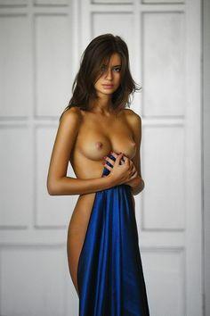"""exisexyoutfit: """"•  Underwear is so overrated • Half dressed is the new naked • Porn is an art form • Unter T shirts und in Blusen… suchen Männeraugen Busen """""""