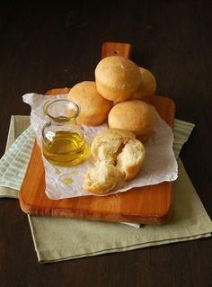 Pãezinhos de azeite de oliva e uma notícia excelente