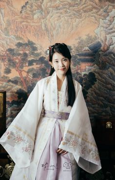 IU hanbok in Scarlet Heart Ryeo Korean Hanbok, Korean Dress, Korean Outfits, Korean Star, Korean Girl, Asian Girl, Korean Traditional Dress, Traditional Dresses, Korean Actresses