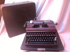 early ORBIS Olympia  SM1 burgundy! portable typewriter  1950 very good germany