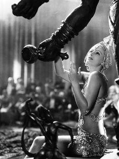 Greta Garbo in Mata Hari (George Fitzmaurice , 1931)