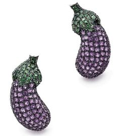 PAIR OF CLIPS EARRINGS. white gold shaped crimped eggplant amethyst and tsavorite. systems for pierced ears.