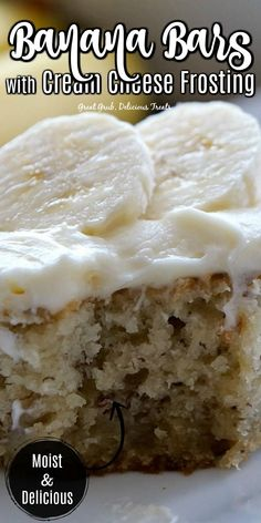 Banana Bars with Cream Cheese Frosting are moist and delicious, loaded with delicious bananas, baked and topped with cream cheese frosting. desserts with cream cheese Banana Bars with Cream Cheese Frosting Banana Dessert Recipes, Köstliche Desserts, Delicious Desserts, Yummy Food, Cake Recipes, Banana Recipes Cream Cheese, Desserts With Bananas, Baking With Bananas, Easy Cream Cheese Desserts