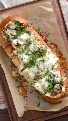 Stroganoff French Bread Toast Why serve beef stroganoff with a side of French bread when it's so much tastier served inside the French bread?Why serve beef stroganoff with a side of French bread when it's so much tastier served inside the French bread? Meat Recipes, Appetizer Recipes, Dinner Recipes, Cooking Recipes, Meat Appetizers, Recipes With Pesto, Brie Cheese Recipes, Hot Sandwich Recipes, Pesto Sandwich