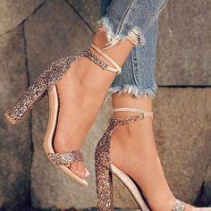 New diy fashion shoes high heels ideas Fancy Shoes, Cute Shoes, Me Too Shoes, Diy Fashion Shoes, 90s Fashion, Fashion Trends, Shoes Heels Boots, Heeled Boots, Street Style Vintage