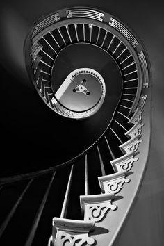 Homa House Plantation Louisiana -- an amazing circular stair
