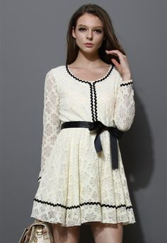 Contrast Tirm Lace Dress with Belt - Party -