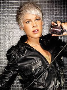 Alecia Beth Moore totally changed her life around and made it what it is. Her music is real and makes you feel better about things. Pink Music, I Love Music, Her Music, Music Life, Pop Punk, Pretty People, Beautiful People, Beautiful Women, Divas