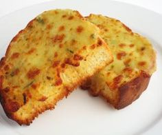 Pasta House Company Garlic Cheese Bread is delicious and you can make it too with this copycat recipe. Cookbook Recipes, Cooking Recipes, Nana Bread Recipes, Garlic Cheese Bread, Cheddar Cheese, Provolone Cheese, Cheese Toast, Yummy Food, Good Food