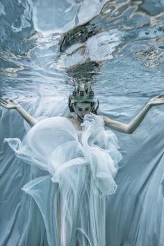 Romi Burianova – El Grace • Dark Beauty Magazine #water #swimming #photography #underwaterphotography