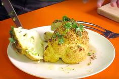 De lekkerste bloemkool die je ooit gegeten hebt! Bloemkool is een oer-Hollandse groente. Heerlijk met aardappels en een stukje vlees en dan