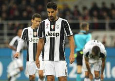 Sami Khedira of Juventus FC shows his dejection during the Serie A match between AC Milan and Juventus FC at Stadio Giuseppe Meazza on October 22, 2016 in Milan, Italy.