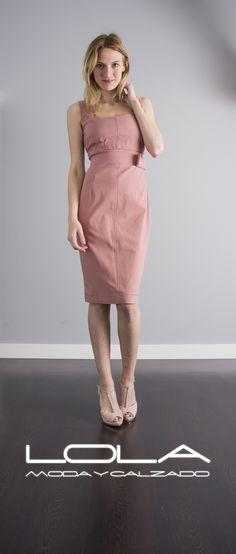 Define en dos palabras destacar por diseño: TWIN SET Pincha este enlace para comprar tu vestido en nuestra tienda on line: http://lolamodaycalzado.es/primavera-verano/547-vestido-de-tubo-rosa-twin-set.html