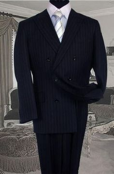 ID # Double-breasted dark blue suit with side ventilation jacket and pleated pants - Outfit Fashion New Mens Fashion Trends, Mens Fashion Suits, Mens Suits, Fashion Edgy, Fashion Boots, Fashion Ideas, Discount Suits, Black Outfit Men, Dark Blue Suit