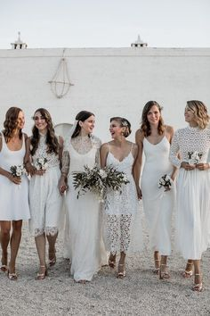 These 37 Bridesmaids Photos Will Inspire the Sweetest Moments with Your Girl Gang Mismatched white bridesmaid style inspiration Beach Wedding Bridesmaids, Mismatched Bridesmaid Dresses, Brides And Bridesmaids, Wedding Dresses, All White Wedding, White Bridal, White Weddings, Spring Wedding, Bridesmaid Inspiration