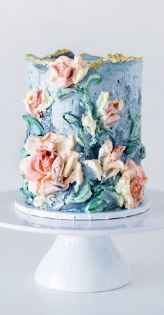 Obsessed With Everything About These Pretty Wedding Cakes Pretty Birthday Cakes, Pretty Wedding Cakes, Floral Wedding Cakes, Floral Cake, Wedding Cake Designs, Pretty Cakes, Cute Cakes, Cake Wedding, Purple Wedding