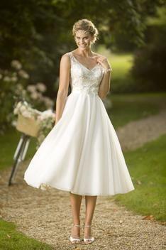 Tea Length Bridal and 50's Style Short Wedding Dresses | Brighton Belle | Erin | True Bride