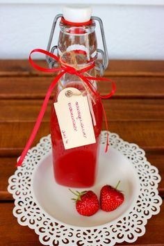 [Gastblogger] Selbstgemachter Erdbeerlikör.
