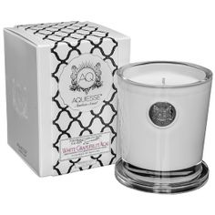 Aquiesse White Grapefruit Acai Candle - A fresh and invigorating scent for the summer.