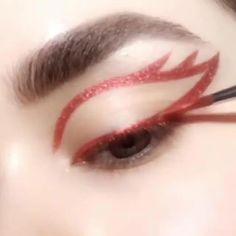 #MaquiagemOlhos Makeup Eye Looks, Eye Makeup Art, Cute Makeup, Skin Makeup, Makeup Inspo, Makeup Inspiration, Retro Eye Makeup, Grunge Eye Makeup, Hipster Makeup