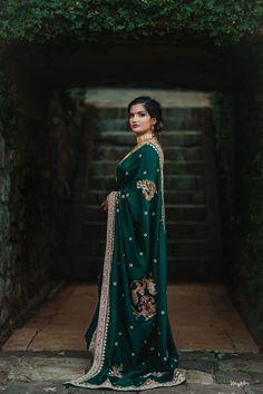 Gorgeous Lonavala Wedding With A DIY Bride! Indian Wedding Planning, Wedding Planning Websites, Bottle Green Saree, Wedding Planner, Destination Wedding, Marathi Wedding, Nauvari Saree, Portrait Pictures, Top Photographers