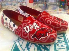 Arkansas Razorbacks hand painted shoes. Original artwork by @hbOnTheBrink