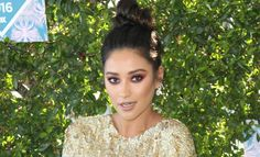 Music inspires Shay Mitchell when applying make up
