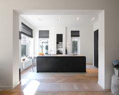 Theuns Interieurbouw is een bedrijf met al zeker 15 jaar ervaring in de interieurbouw wereld. Ze denken mee met de klant en zorgen altijd voor verrassende oplossingen voor iedere woon, leef en