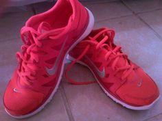 Nike Rojos