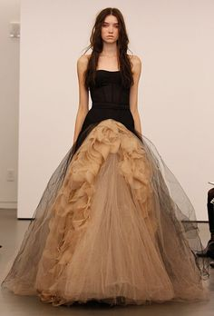Image from http://www.brides.com/images/2011_bridescom/Runway/October/vera-wang/large/new-vera-wang-wedding-dresses-fall-2012-007.jpg.