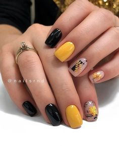 Looking for some fresh Fall nail ideas? You'll love this nail art compilation! From classic Fall nails to abstract Autumn manicures and from incredible freehand to easy stamping designs, there is a manicure for every taste and skill level. Fall Acrylic Nails, Autumn Nails, Fall Nail Art, Spring Nails, Summer Nails, Manicure Nail Designs, Acrylic Nail Designs, Nail Manicure, Nails Design