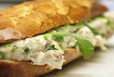 Σάντουιτς με ψητό κοτόπουλο Sandwiches, Spanakopita, Burritos, Relleno, Hot Dog Buns, Carne, Food And Drink, Picnic, Bread