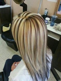 Love the contrast! I would do it the other way around though. Less white blonde.