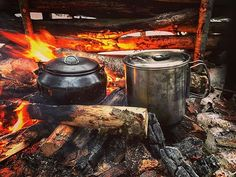 The 'centerpiece ' in my camp fires is typically the kettle. . . . . . #bushcraft#bushcrafting#survival#woodsman#outdoorsman#woods#cooking#camping#hiking#backpacking#trails#campinglife#inthewoods#getoutdoors#camplife#backcountry#campfire#fire#keepitwild#wildernessculture#kamp#naturelovers#exploremore#outdoorlife#friluftsliv#forest#primitiveskills#woodlore#coffee#selfreliance