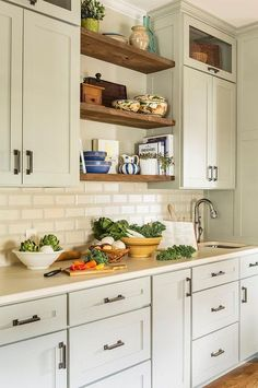 Dark, light, oak, maple, cherry cabinetry and cleaning wooden kitchen cabinets with vinegar. CHECK THE PIN for Many Wood Kitchen Cabinets. Wooden Kitchen Cabinets, Kitchen Shelves, Kitchen Backsplash, Kitchen Furniture, Floating Shelves In Kitchen, Open Cabinets, Shaker Cabinets, Kitchen Cupboard, Cupboards