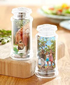 These easy-to-use Customizable Salt and Pepper Shakers are perfect for anyone who loves to be creative. Unscrew the bottom cap to insert your customizable sleev