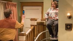 """I just watched Roseanne 10x03 """"Roseanne Gets the Chair""""  https://t.co/Qzs4GNJGnS #trakt"""