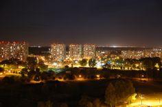 """fot.Wiktor Szafrański:  """"Poznań also never sleeps"""" - Rataje miejsce, gdzie po zmroku dopiero zaczyna się życie - wspólna kolacja - wspólna rozmowa, a wszystko się dzieje tam, w """"mrówkowcach"""". https://www.facebook.com/photo.php?fbid=10151982555642893&set=a.392564567892.167471.376101312892&type=1&stream_ref=10"""