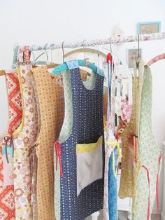 Dottie Angel's reversible cobbler's aprons ~ lovely! Just like the aprons grandma used to wear! #apronology #vintageapron