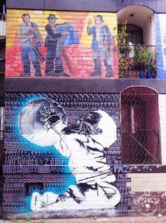 Mural de Daniel Manrique Arias en Palomares reflejando la cultura del barrio