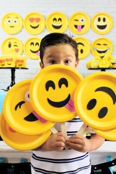 DIY Emoji Props - perfect for any Emoji Birthday Party! Emoji Party Ideas by Michelle's Party Plan-It for Oriental Trading Company. Lots of fun Emoji DIYs plus a recipe for Emoji Popcorn Balls! Party Emoji, Emoji Party Decor, 10th Birthday Parties, Slumber Parties, Sleepover Party, Emoji Craft, Party Themes, Ideas Party, Party Party