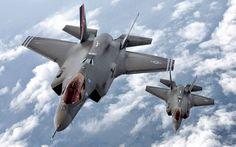 F-35 Lightning II được phát triển từ máy bay X-35 theo dự án máy bay tiêm kích tấn công kết hợp, là loại máy bay tiêm kích một chỗ ngồi, có khả năng tàng hình, đa năng, có thể thực hiện các nhiệm vụ như: yểm trợ trên không, ném bom chiến thuật, và ... Wikipedia Tầm bay: 2.220 km Tốc độ lớn nhất: 1.930 km/h Chiều dài: 16 m Sải cánh: 11 m Giới thiệu: tháng 12 năm 2015 Nhà sản xuất: Công ty Hàng không Lockheed Martin Chuyến bay đầu tiên: 15 tháng 12, 2006