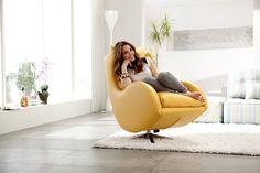 Lenny. Es quizás nuestro diseño más emblemático, un inteligente juego de curvas cóncavas y convexas crean un sillón único e irrepetible.