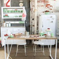 Vintage kitchen inspired sweetheart table #14daysofsweethearts