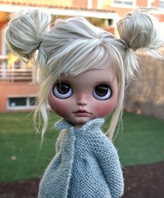 Blythe ✿✿  Custom girl with what looks to be an alpaca reroot - although it might be mohair, whatever the case, it's gorgeous!!