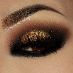 Smokey Eye With Glitter