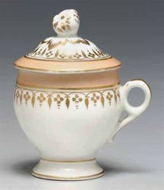 [LINCOLN, Abraham]. Presidential custard cup and cover from the White House State Dinner Service ordered by Mary Lincoln in early 1865. Fran...