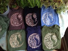 Hey, I found this really awesome Etsy listing at https://www.etsy.com/listing/200034654/paisley-yin-yang-shirt-made-to-order
